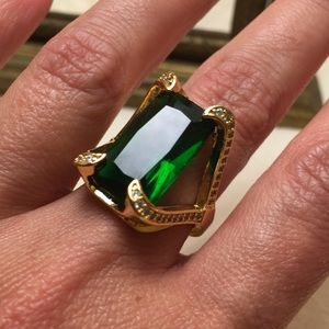 Jewelry - Beautiful Cocktail Ring